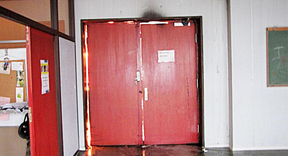 Der bedrohliche Ernstfall wird meist erst dann bewusst, wenn es zu spät ist. Mit ordnungsgemäß angebrachten Brandschutztüren kann vorgesorgt werden!