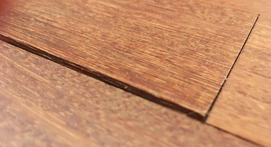 Holz-Parkettboden-Spalt